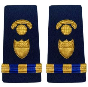 Vanguard Coast Guard Warrant Officer 3 Male Enhanced Shoulder Board: Information Systems Management Front View